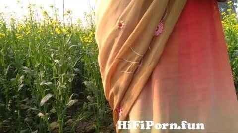 Desi village bhabhi pissing public porn outdoor from village ...